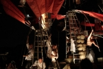 Nocą, kiedy cichną głosy świata – teatr uliczny
